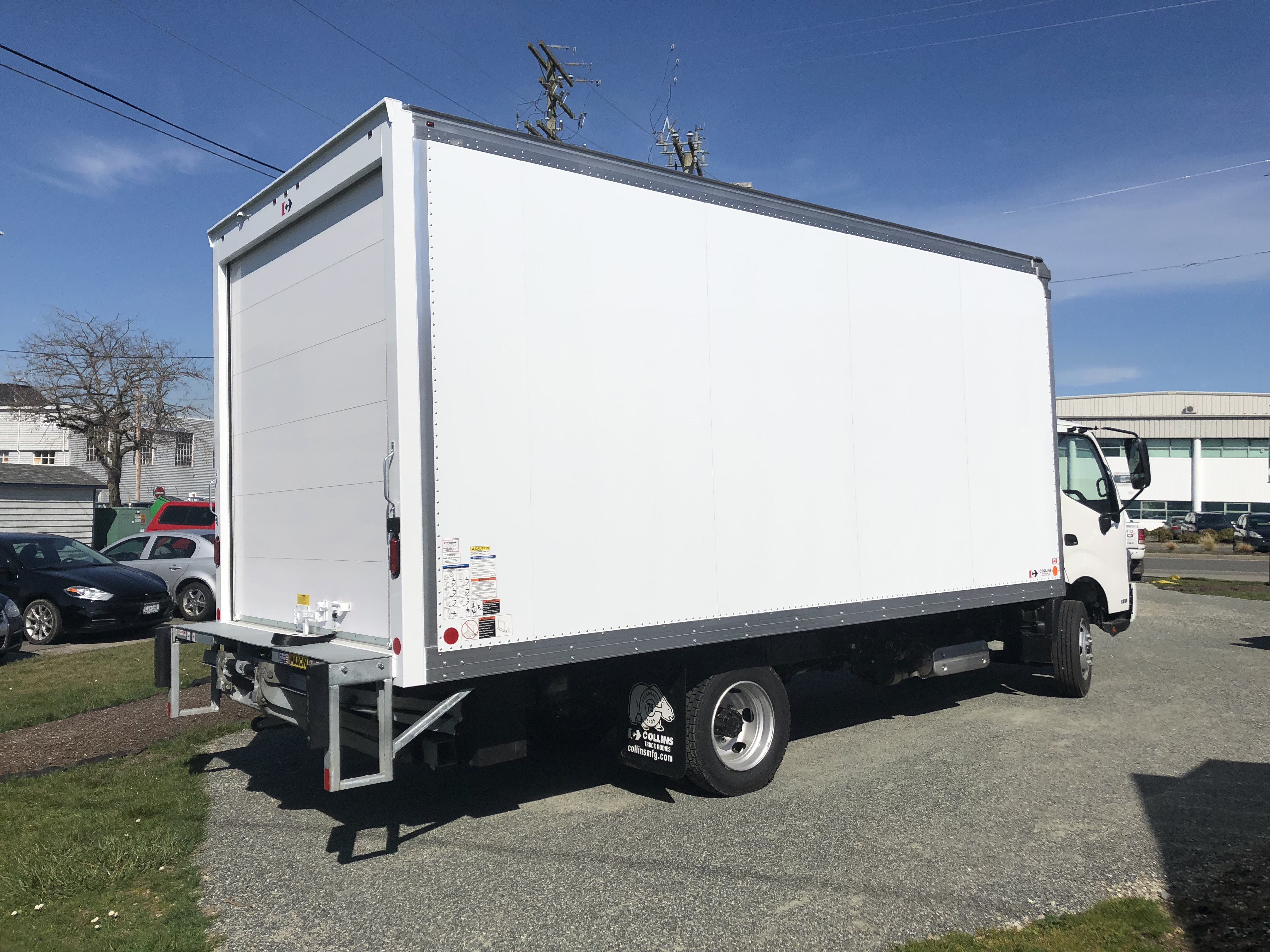 2019 Hino 195 with 18' Dry Van & Power Lift Gate - $1,390 20